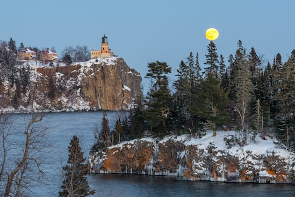 Split Rock Moon Rise