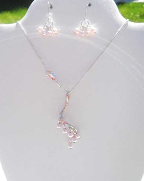 Sterling Silver Light Pink Pearl Necklace With Earrings | Branson West Art Gallery - Mary Phillip