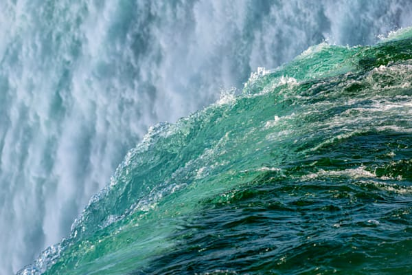Photography By Festine Niagara Falls rim edge