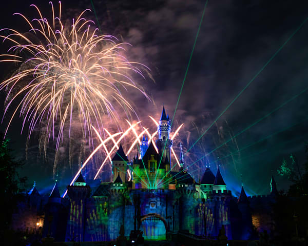 Mickey S Mix Magic With Fireworks Happy Haunts Materialize Photography Art | William Drew Photography