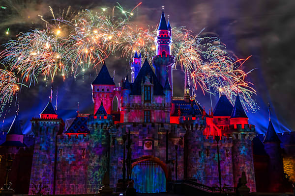 Mickey's Mix Magic with Fireworks Ay Mi Amore - Pictures of Disneyland