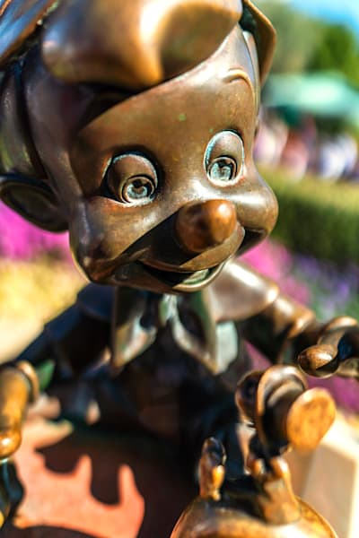 Pinocchio And Jiminy Statue At Disneyland Photography Art | William Drew Photography