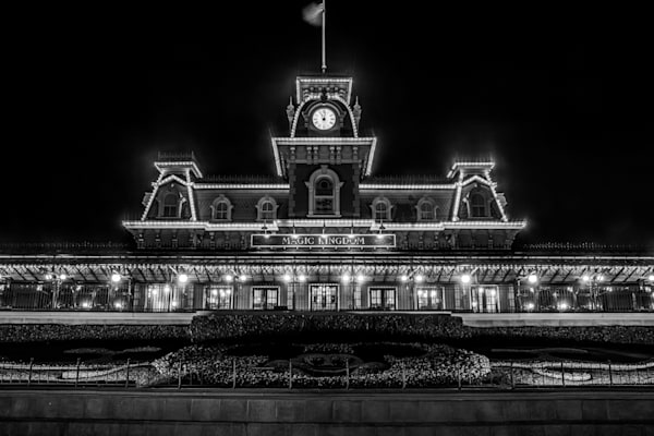 Black and White Magic Kingdom Entrance - Black and White Disney Pictures