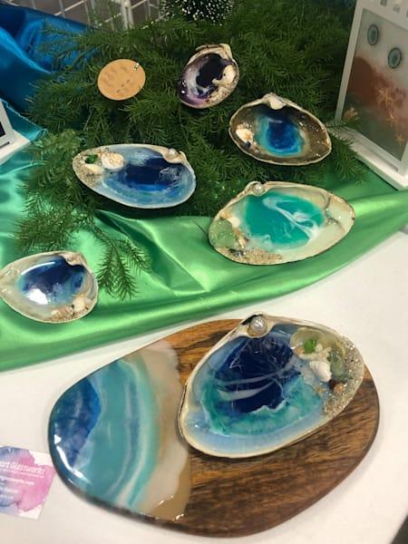 Clamshell Bowls Art | mendedheartglass