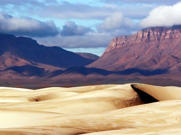 PBuzenius-Mountains, Dunes & Sky