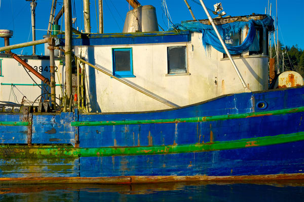 Blue Boat Art   Shaun McGrath Photography