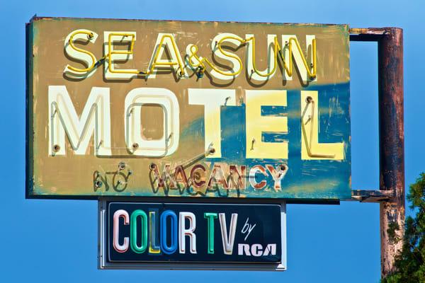 Sea & Sun Motel Art   Shaun McGrath Photography