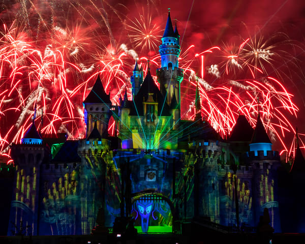 Mickey's Mix Magic with Fireworks Grim Grinning Ghosts - Disneyland Images