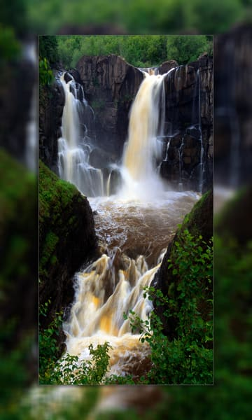 Pigeon Falls Full 3 D Photography Art | Whispering Impressions
