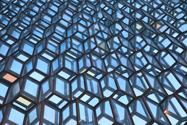 Geometry at Harpa