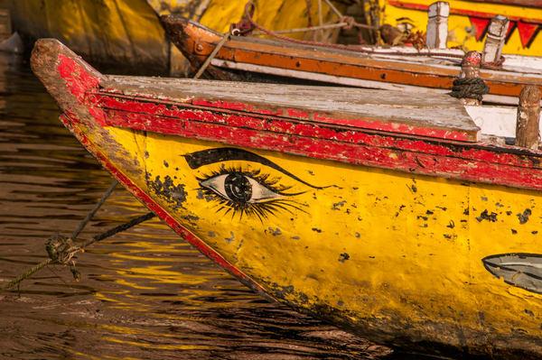 Eye yellow boat