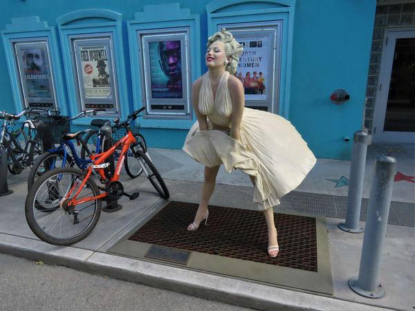 Marilyn Monroe Statue Art   DocSaundersPhotography