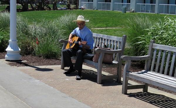 Va Beach Guitar Player Art   DocSaundersPhotography