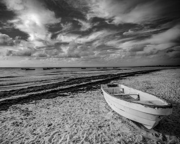 Morning Boats in black and white - Art Print - Tamea photography