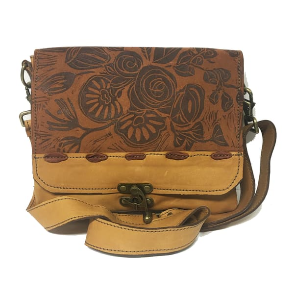 medium messenger bag leather in mustard