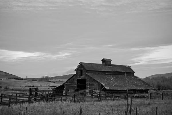 Old Barn, McManamy Rd, Ellensburg, Washington, 2011