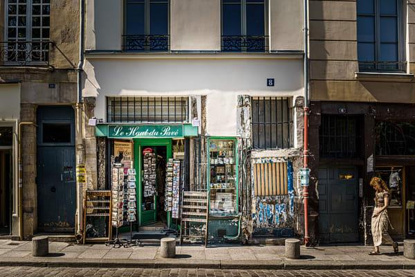 Paris Gift Shop