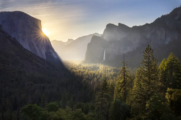 Yosemite Valley greets a new day | Tunnel View vista