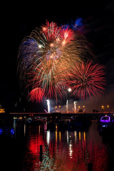 baycity fireworks a summer night fireworksa