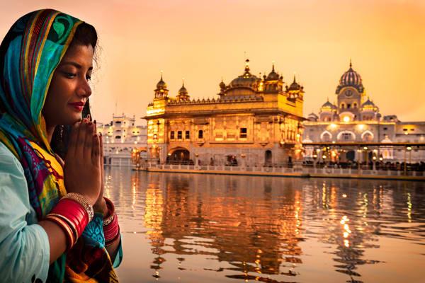 Golden Temple Woman Praying Photography Art | nancyney