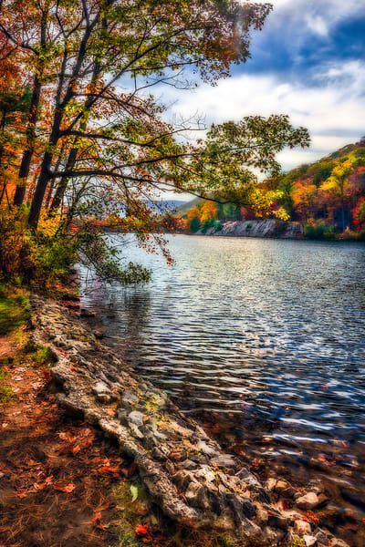 Fall foliage along Hudson River