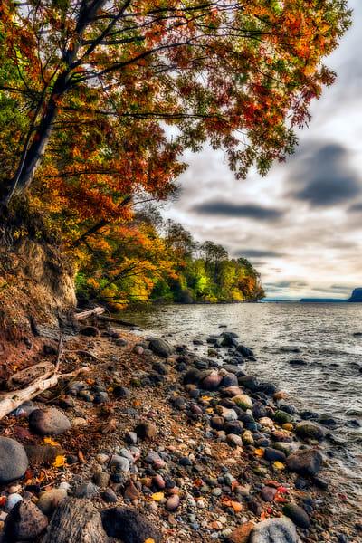Fall foliage along Hessian Lake