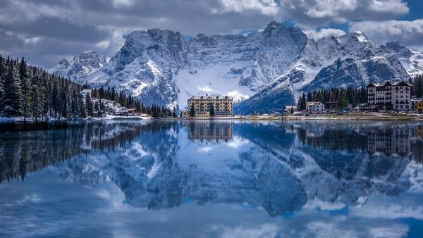 Amazing view of Lake Misurina, Italy