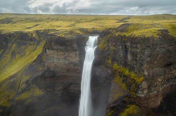 Hàifoss Waterfall