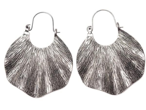 Shiny Shells  | Angelica Hoyos Studio