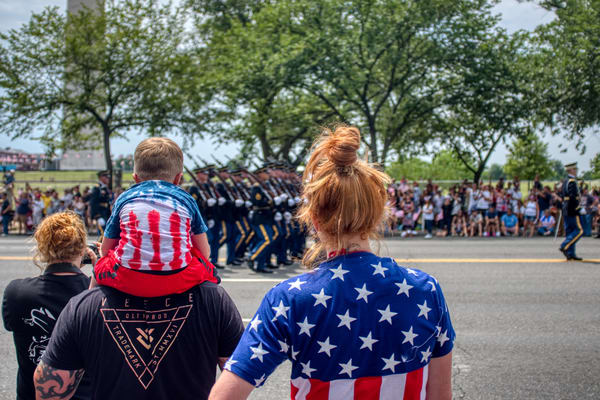 Watching The 4th July Parade Art | Martin Geddes Photography
