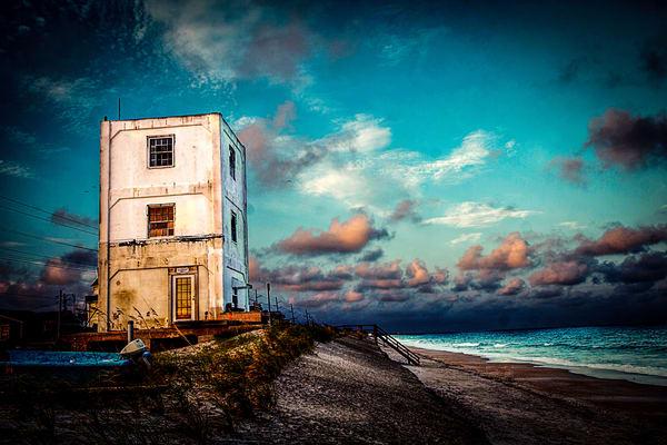 Bumblebee Project Tower #3 Photography Art | Art Sea Love