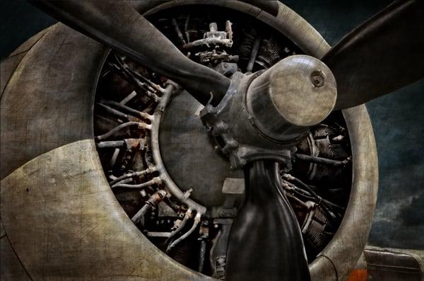 B 17 Engine Photography Art   Ken Smith Gallery