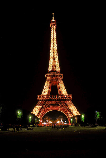 Night Time Eiffel Tower Lights