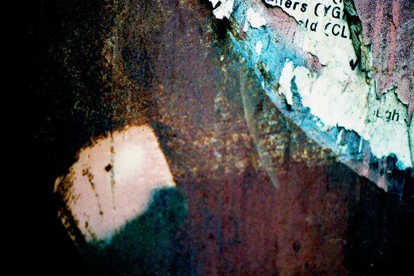 Abstract SoHo Wall Detail Fine Art Print – Sherry Mills