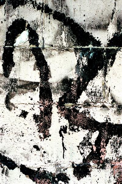 Abstract Black White Contrast Graffiti Print – Sherry Mills