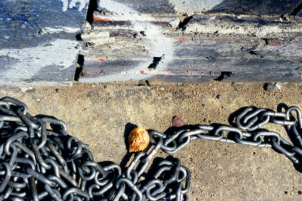 Chain With Pit Abstract Sidewalk NYC Print – Sherry Mills