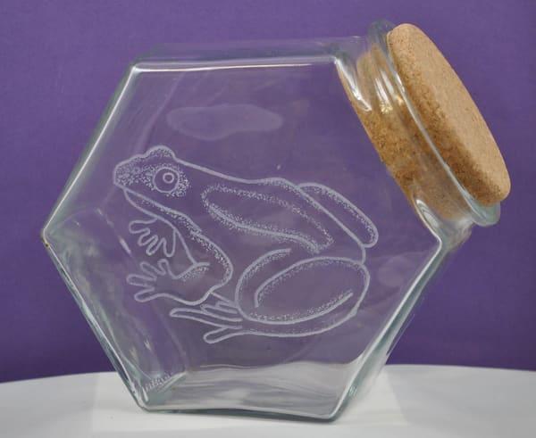 Diana Rossell - original artwork - glass - glass engraving - nature - frog - Georgia Loudmouth