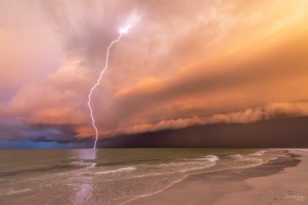 Shelf Cloud and Lightning at Siesta Key