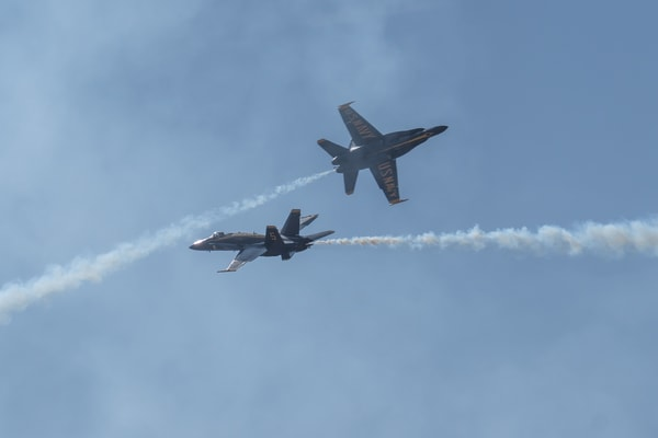 Blue Angels Opposing Vertical Pitch