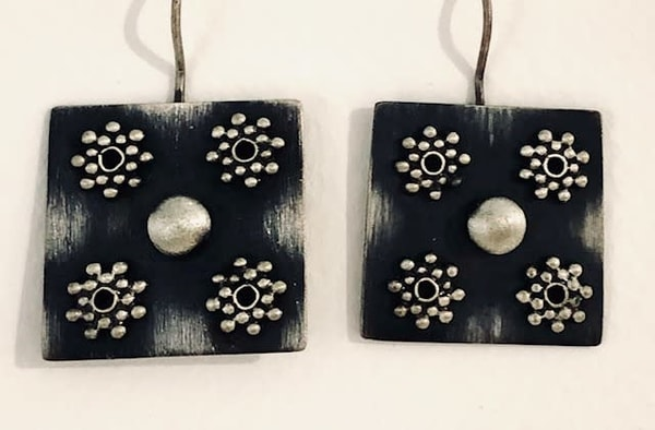 Four Snowflakes With Silver Ball Center Art | Art a la Carte Gallery