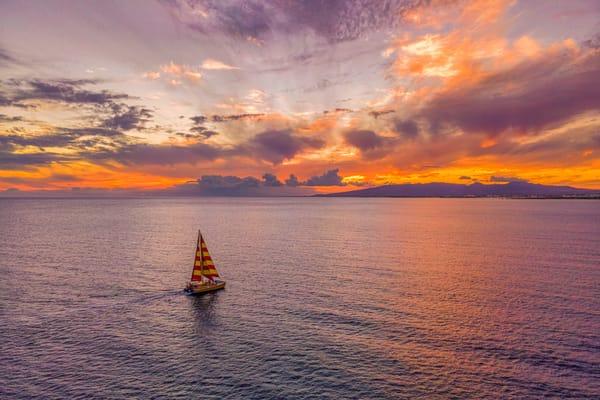 Sailing to Oahu