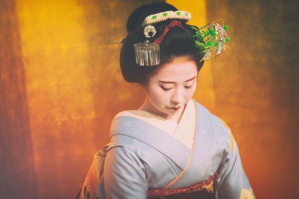 Downward Facing Geisha Photography Art | Carol's Little World