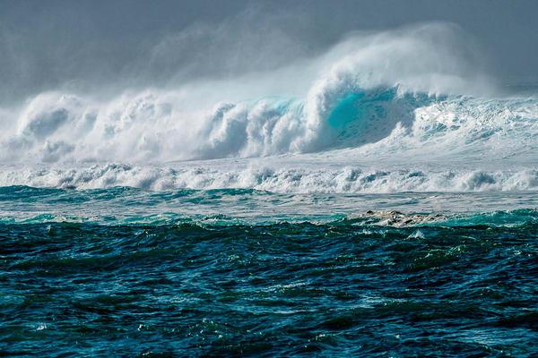 Winter Swell Lua Maui North Shore   Print   Soaring Whales Photography LLC