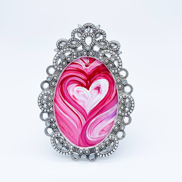 Hot Pink Kisses  Art | Heartworks Studio Inc
