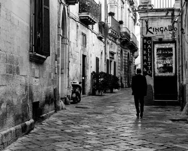 Lecce - Man on Street bw, photo by Jeremy Simonson