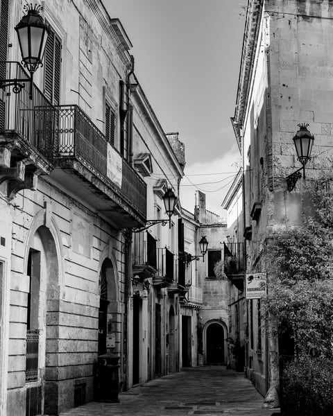 Lecce - Street Scene II bw, photo by Jeremy Simonson