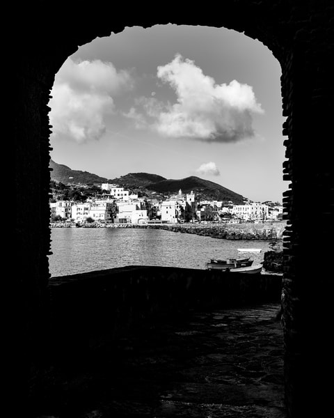 Ischia- Castle Defense II bw