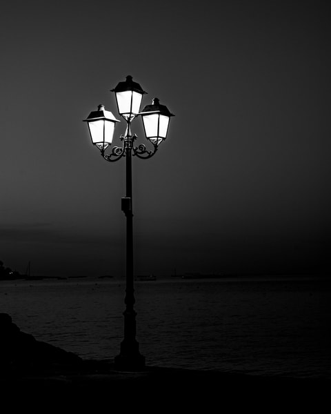 Ischia - Light Pole bw