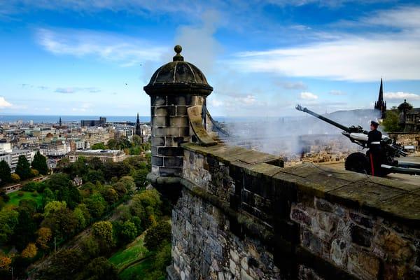 One O'Clock Gun Firing Edinburgh Scotland