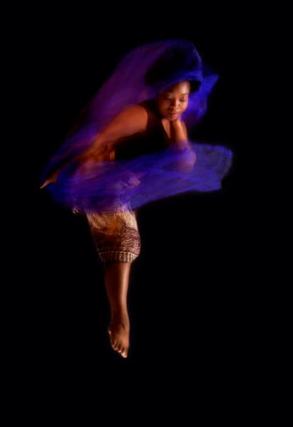 Dancer Courtney Barrow, ©Lori Farr